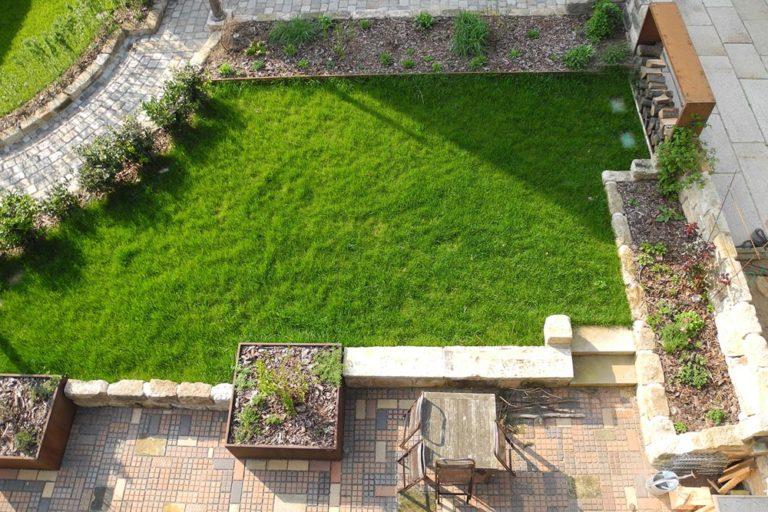 Dachgarten auf einer Tiefgarage